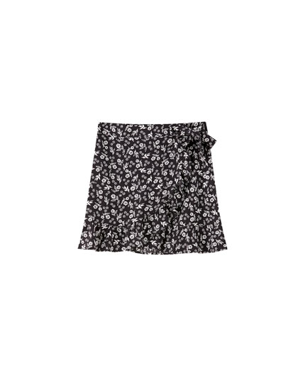 Pareo mini skirt with all-over daisy print