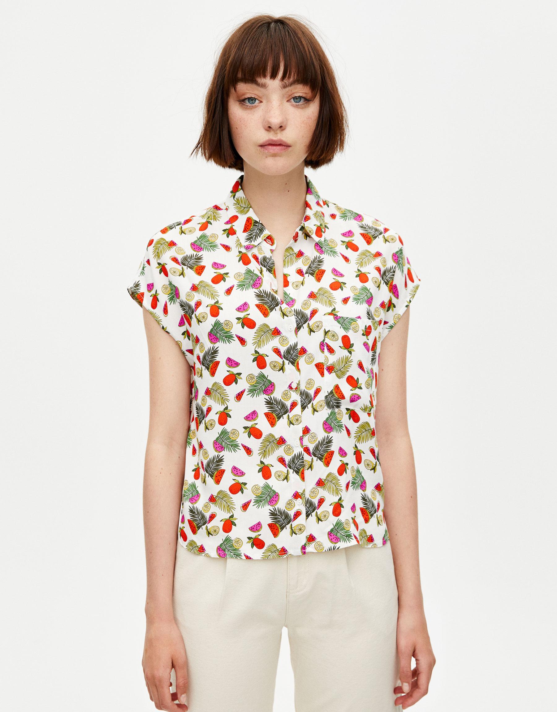 740fb5f1a3b2 Pullbear Printed sleeveless shirt 1 Pullbear Printed sleeveless shirt 3 ...