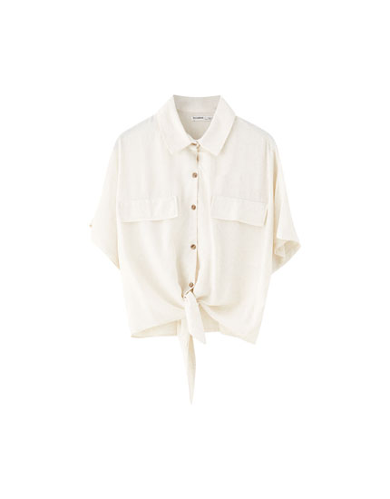 Knotted shirt with flap pockets