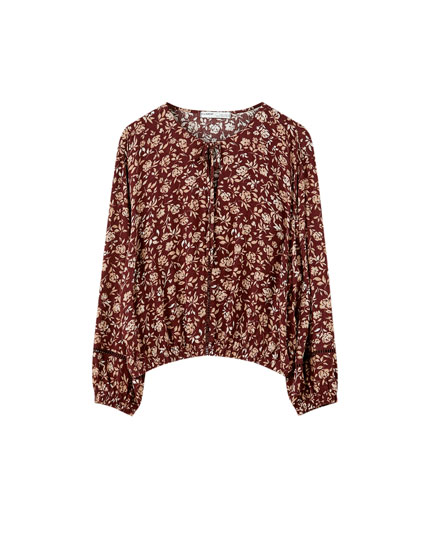 Lace-trimmed printed blouse with shirring