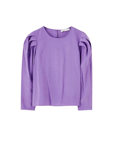 Purple puff sleeve T-shirt
