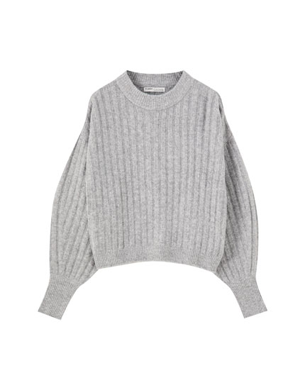 Ribbed sweater with puff sleeves