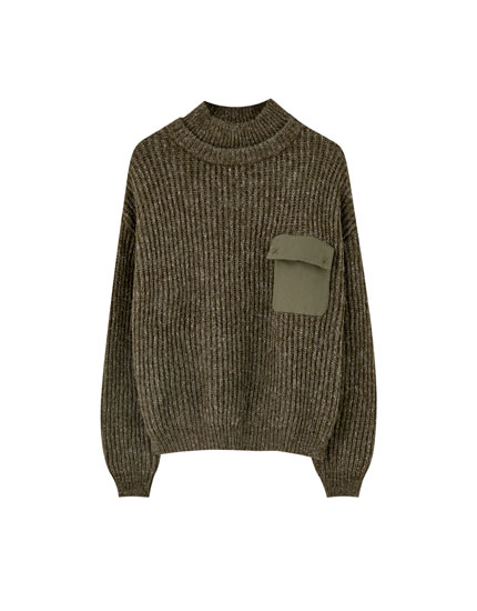 Sweater with combined pocket