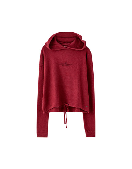 Sweat capuche inscription contrastante