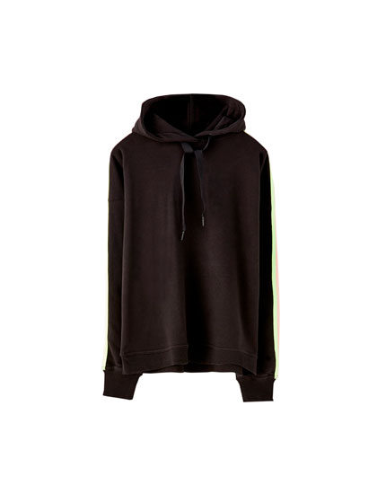 Hoodie with two-tone stripe
