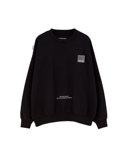 Basic black Pantone sweatshirt