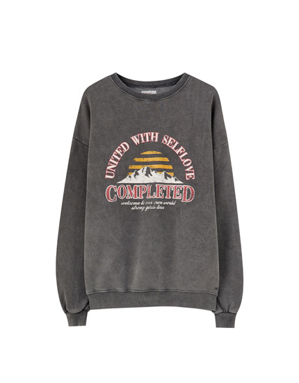 Sweatshirt with 'Completed' illustration