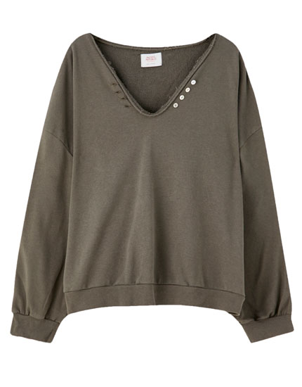 Basic V-neck sweatshirt