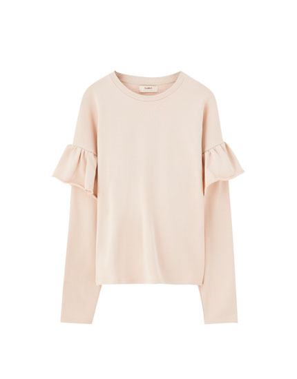 Basic T-shirt with wide ruffle
