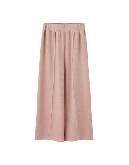 Calças culottes com pregas
