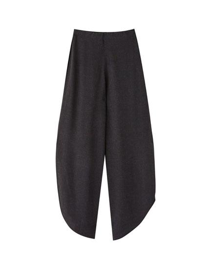 Pantalón negro aberturas