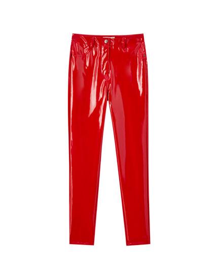 Παντελόνι skinny fit με βινύλιο