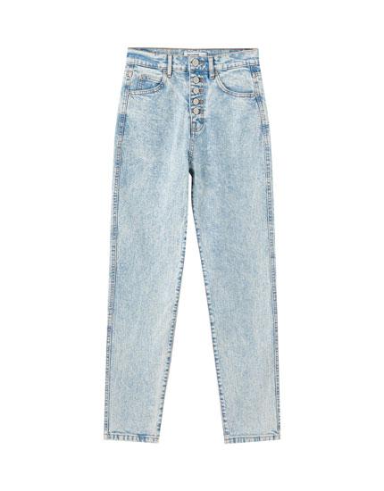 Jeans slim mom botones