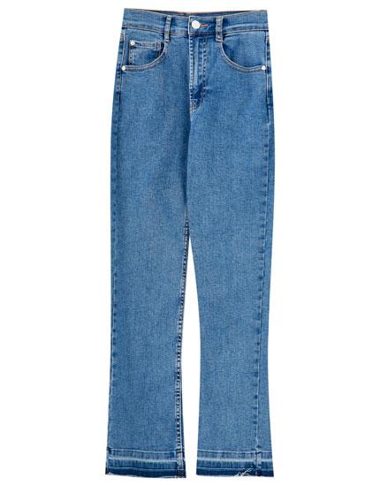 Jeans kick flare básicos