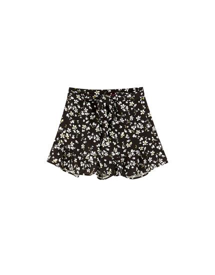 Rosalía floral shorts