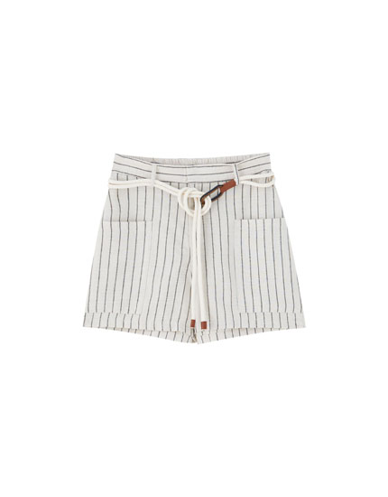 Rustic Bermuda shorts with vertical stripes