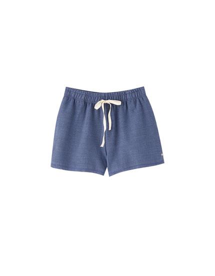 Shorts básicos rústicos