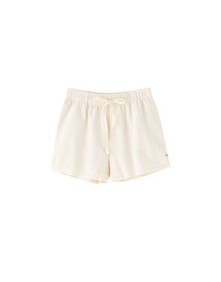 Pantalón curto básico rústico