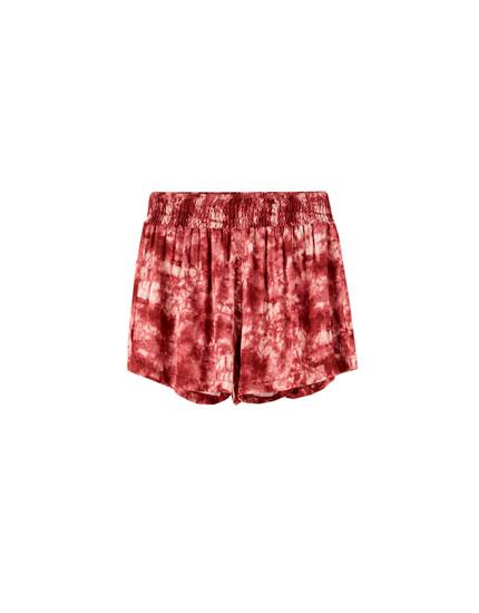 Shorts tie-dye burdeos