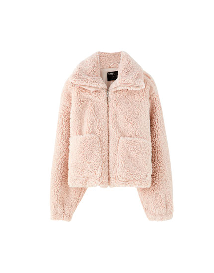 Short faux fur jacket with pockets