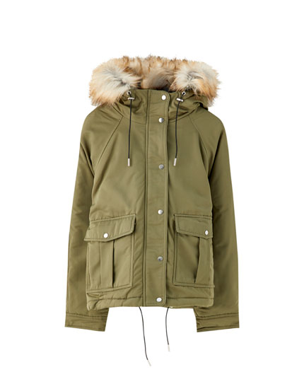 Short parka with faux fur lining