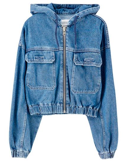 Cropped denim jacket with pockets