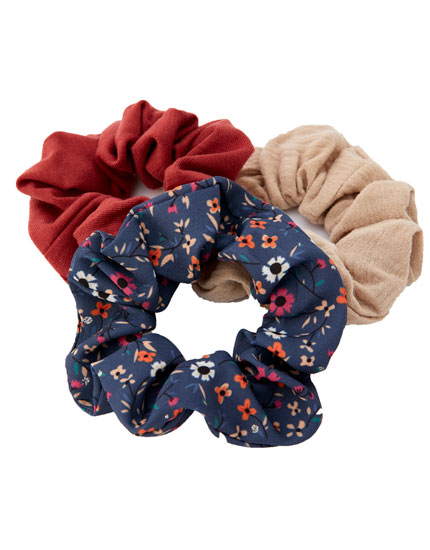 3-pack of plain and floral scrunchies