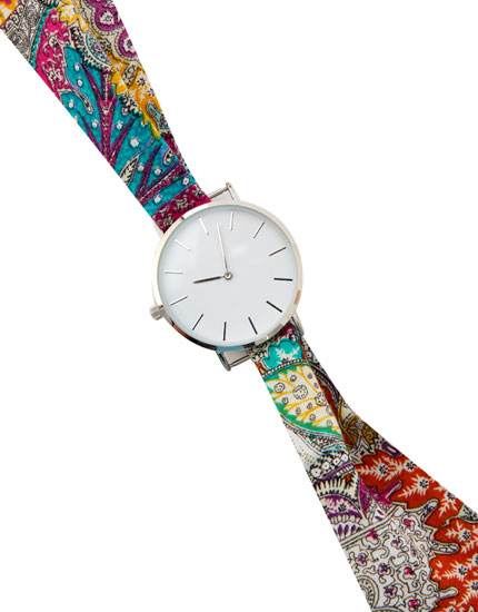 Watch with fabric wristband