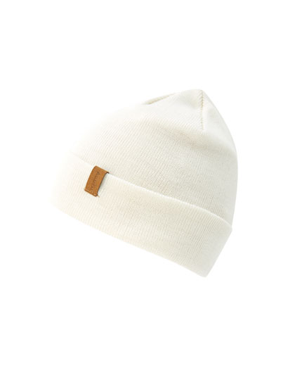 Basic coloured hat