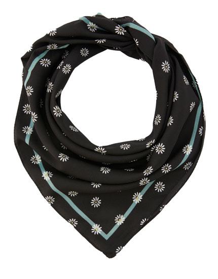 Daisy print scarf
