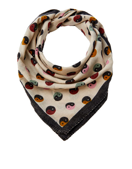 Multicoloured Yin Yang scarf