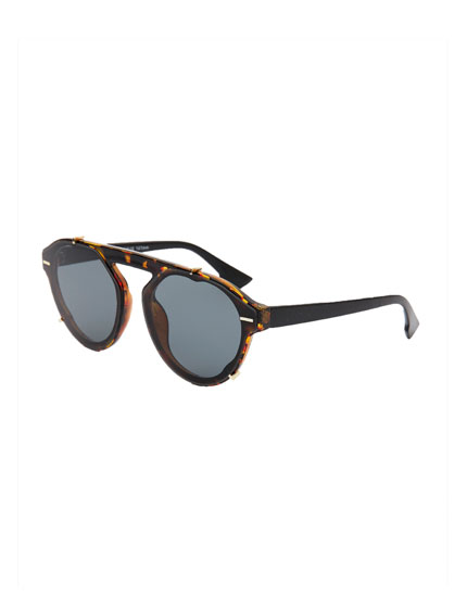 Hexagonal tortoiseshell sunglasses