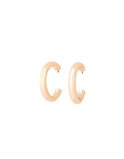 Basic metallic hoop earrings