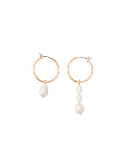 Asymmetric faux pearl earrings