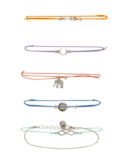 5-pack of different-coloured lucky charm bracelets