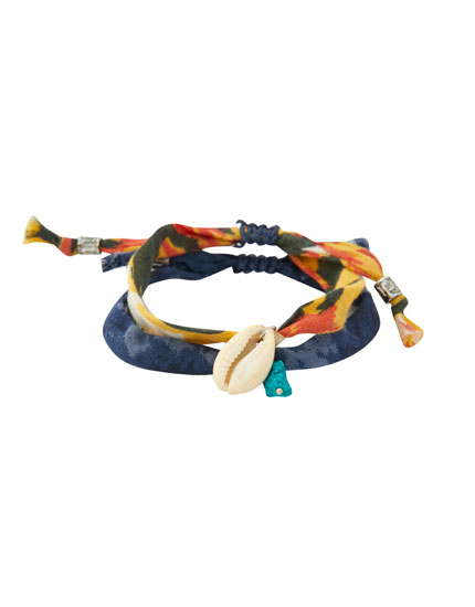 2-pack of fabric bracelets with seashells