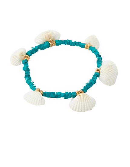 5-pack of seashell and stone bracelets