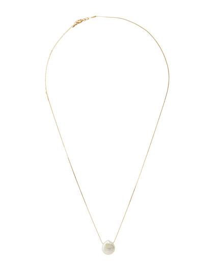 Collar metalizado perla
