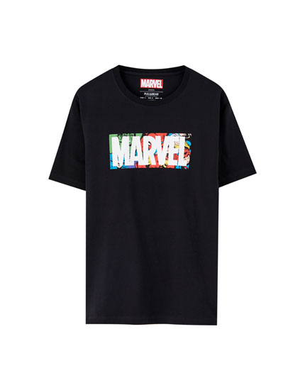 T-shirt Marvel com logótipo com personagens