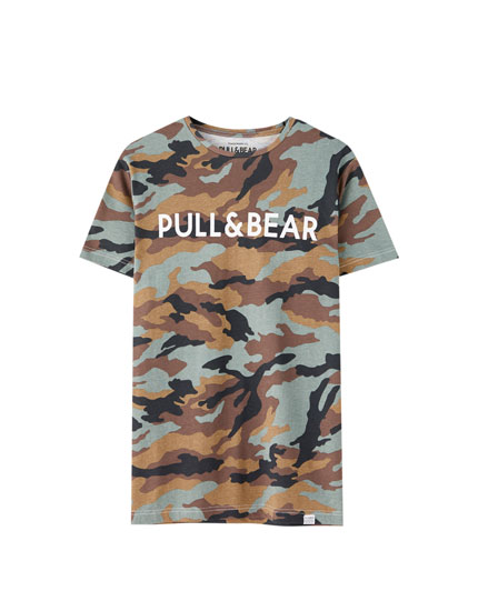 e5239912b6 Check out the latest in Men's T-shirts | PULL&BEAR