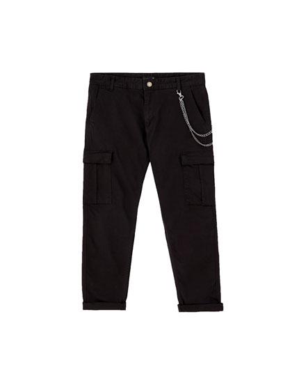 Pantalón cargo cadena