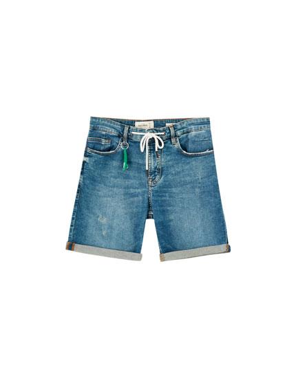 Jeansowe bermudy skinny fit