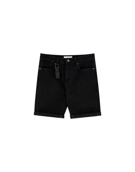 Czarne jeansowe bermudy slim comfort fit