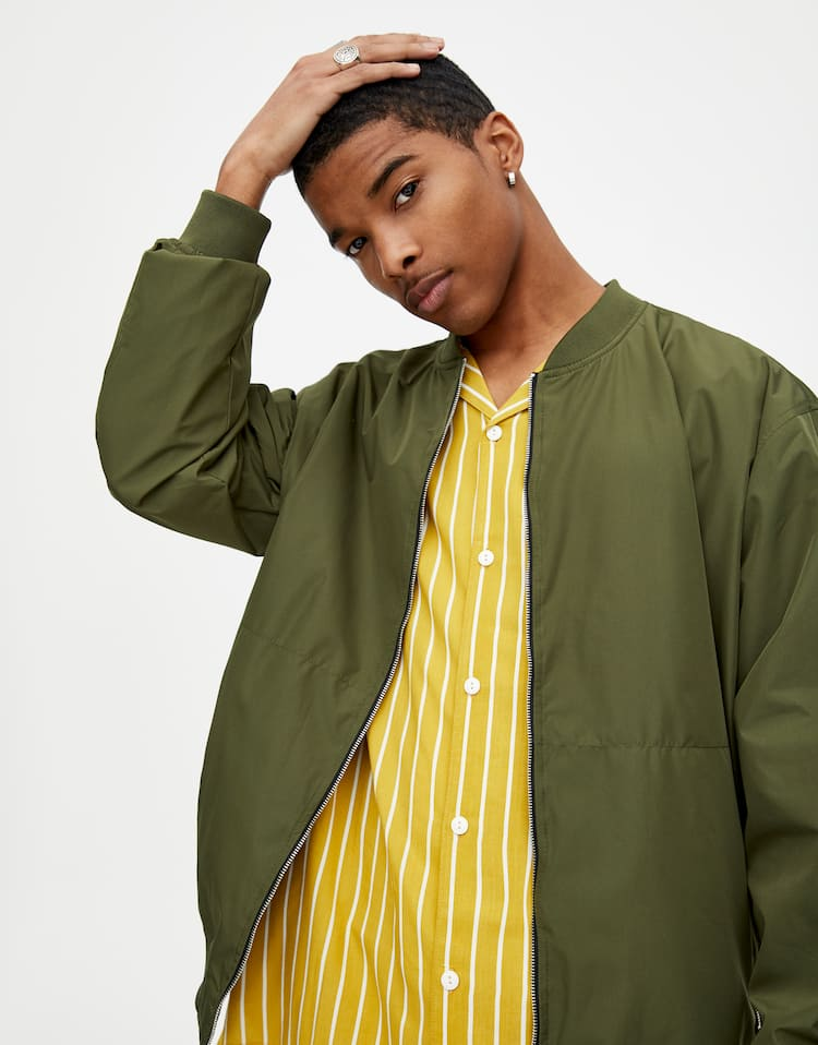 44eb86aed4531 Men's Outerwear - Spring Summer 2019 | PULL&BEAR