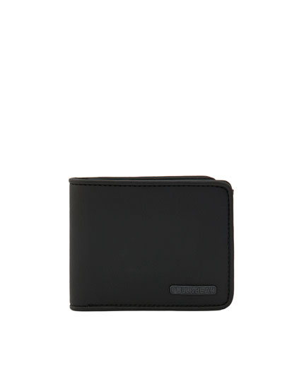 Grainy faux leather wallet with seam on the edges