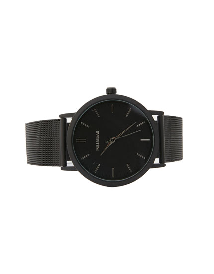 Black watch with oval face