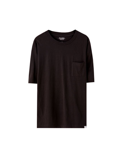 Basic cotton T-shirt with a pocket