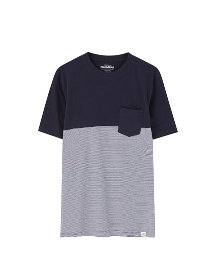 T-shirt com color block e riscas e bolso
