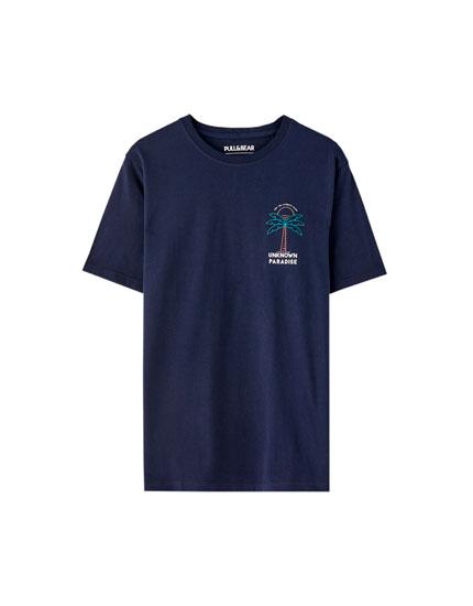 T-shirt estampado peito