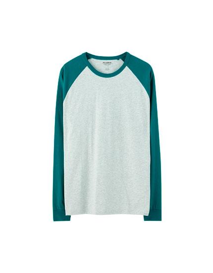 T-shirt de manga comprida raglã em contraste